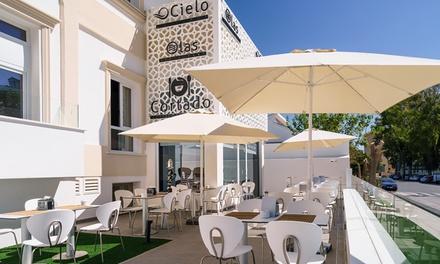 Menú árabe para 2 o 4 personas con entrante, principal, postre y bebida desde 24,95 € en Olas Costa del Sol