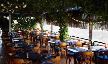Menú para 2 con entrante, principal, postre y bebida en Restaurante Mediterráneo (hasta 43% de descuento)