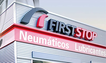 Cambio de aceite 10w40 o 5w30, filtro con revisión de niveles y niveles de seguridad desde 39,95 € en First Stop