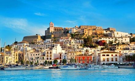 Ibiza: estancia para 2, 3 o 4 personas en habitación doble, triple o cuádruple en Amistat Island Hostel Ibiza