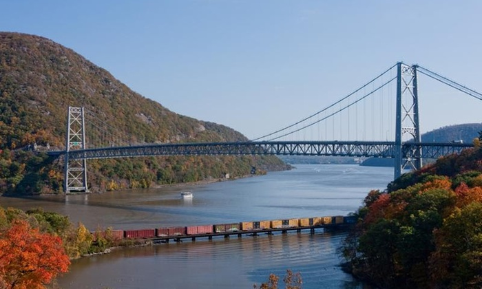 Vista Yacht Cruises Inc - Vista Yacht Cruises Inc:  $59 for a Fall-Foliage Lunch Cruise at Vista Yacht Cruises Inc ($118 Value). Eight Dates Available.