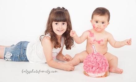 Sesión fotográfica en estudio con temática a elegir desde 19,95 € en Baby Photo Family