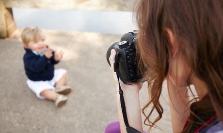 Sesión fotográfica infantil a domicilio con book de 15 o 30 fotos digitales desde 34,95 € en Hellen Violet Fotografía