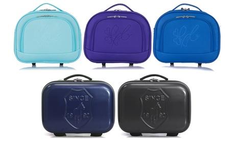 1 beauty case disponibile in 2 modelli e vari colori