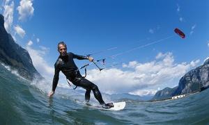 KiteRevolution: 3 lezioni di kitesurf per una o 2 persone da KiteRevolution (sconto fino a 82%)