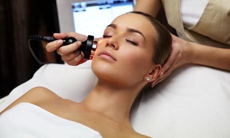 1 o 3 sesiones de radiofrecuencia facial con masaje y tratamiento facial desde 19,95 € en Max Esthetic Clinics