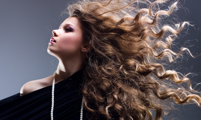 Oscar Winning Style - Carrboro: $60 for Partial, Ombre, or Balayage Highlights at Oscar Winning Style ($100 Value)