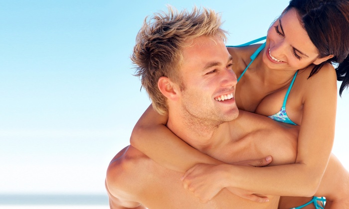 Hollywood Tans - North Miami: Two UV Sessions in Any Immediate Result Tanning Bed or Two Spray Tans of Any Shade at Hollywood Tans (Up to 62% Off)
