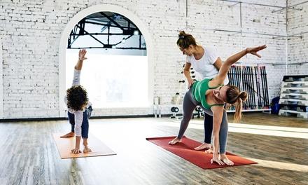 1 o 2 meses de clases de yoga en Karmia (hasta 53% de descuento)