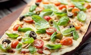 Morelia: Empanadas + pizzas clásicas a la parrilla y cervezas para dos o cuatro en Morelia