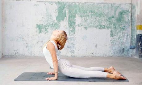 1, 3 o 6 meses de clases de yoga online con The Class Yoga