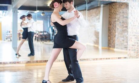 3 o 4 meses de clases de baile a elegir entre claqué y swing desde 34,95 € en Academia del Arte