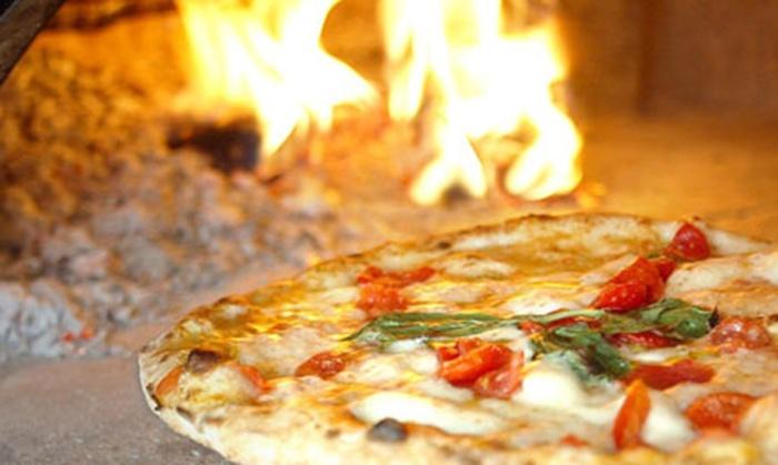 Menu pizza con antipasto, dolce e birra per 2 o 4 persone al ristorante Mirò di Firenze (sconto fino a 62%)