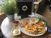 2-Gänge-Schnitzel-Menü mit Salat und Pommes