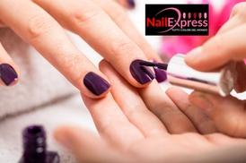 Nail Passion Italia Sede Centrale: Nail Express - Buono 2x1 sul trattamento manicure con smalto semipermanente. Valido in 3 sedi