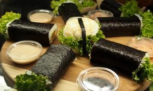 Sushi Rolls Grab and Go: 2 rolki sushi w wersji wege (12,99 zł) lub inne rodzaje (od 21,99 zł) w Sushi Rolls Grab&Go (do -41%)