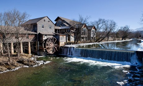 Sevierville hotel deals hotel offers in sevierville tn for Riverside motor lodge pigeon forge tn