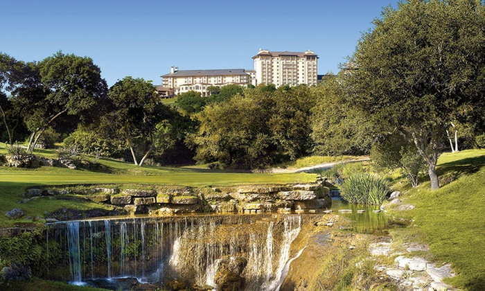 Luxe 4-Star Omni Golf & Spa Resort in Austin