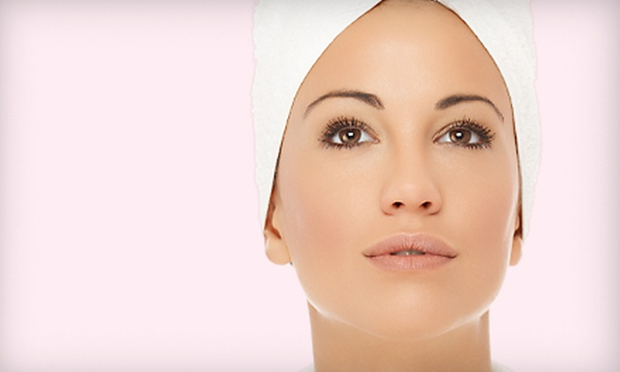 Wilson Plastic Surgery - Downtown Huntsville: European Deluxe Facial or Medical Microdermabrasion Plus Skin Care Evaluation at Wilson Plastic Surgery