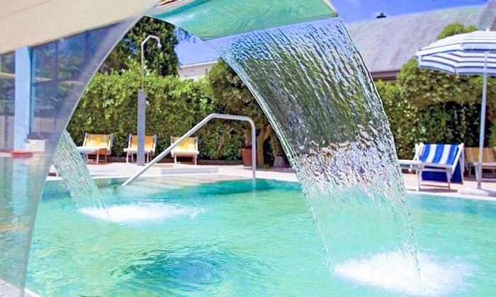Ingresso in Spa e piscine termali, con massaggio e cena per 2 persone alla Spa Hotel Terme Al Sole (sconto fino a 57%)