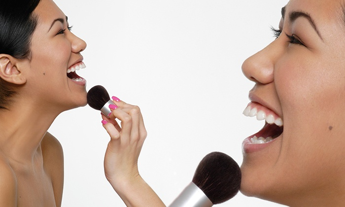 Scosh Makeup And Skincare - Scottsdale: $52 for a 1-on-1 Private 2-Hour Makeup Lesson with Discount at Scosh Makeup and Skincare ($100 Value)