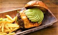 【 23%OFF 】牛肉100%の手ごねビーフパティを堪能 ≪ アボカドチーズバーガーなど4種類から選べるハンバーガー+ポテト+スープ+...