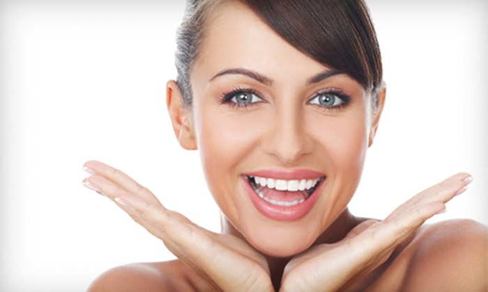 Smile Labs - West Omaha: $99 for Four Teeth-Whitening Sessions at Smile Labs ($396 Value)