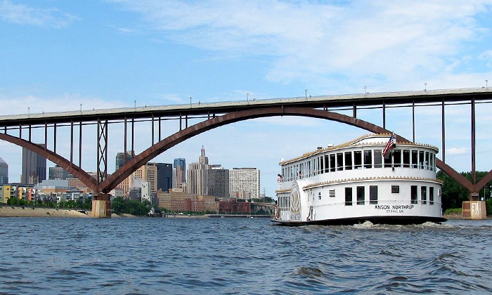 Padelford Riverboats  - Padelford Packet Boat Co., Inc.: Sightseeing Boat Tour for Two or Four or Margaritas River Cruise from Padelford Riverboats (Up to 48% Off)
