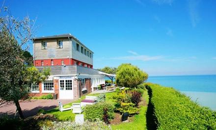 Baie De Somme: Suite Hirondelle avec petit déjeuner, dîner et champagne en option à Hotel The Originals Le Cise pour 2