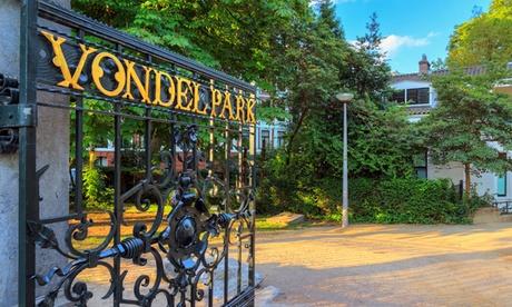 Cerca de Vondelpark: habitación doble para 2 personas con pijama, bebida y check out tardío en Mr. Monkey Amsterdam
