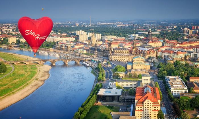 Ballonfahrt-Event für ein oder zwei Personen inkl. Taufe und Urkunde mit der Ballon Crew Sachsen (bis zu 28% sparen*)