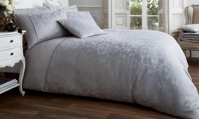 Jacquard Vincenza Duvet Set for £18