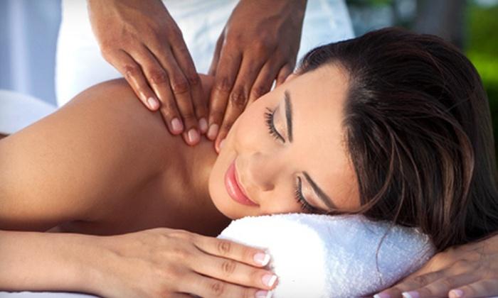 Sun Streaks Salon - Hawks Preserve: $32 for a Custom 60-Minute Massage at Sun Streaks Salon ($65 Value)