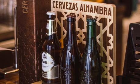 Menú para 2 o 4 con 2 raciones, 2 platos, postre y botella de vino o bebida desde 19,99 € en La Caravana Beer & Tapas