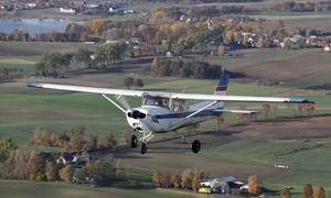 Aeroklub Gdański: Lot zapoznawczy samolotem C172 wraz ze szkoleniem wstępnym na wybranej trasie od 99,99 zł z Aeroklubem Gdańskim