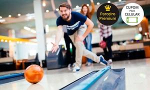 Arena Bowlling Bar: Muita diversão com 1 ou 2 horas de Boliche com opção de Porção de Frango + Drinque, no Arena Bowlling Bar - Gravataí