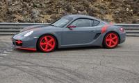 3, 5 ou 10 tours au volant d'une Lotus ou dune Porsche Cayman dès 119,99 € avec La Valensole