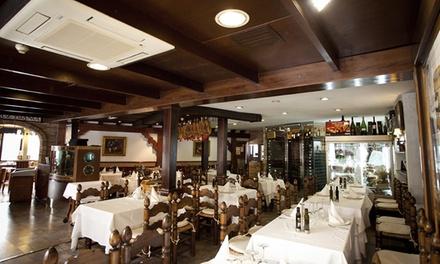 Degustación gourmet para 2 con aperitivo, 5 platos, postre y botella de vino desde 39,90 € en Restaurante El Mesón