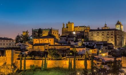 Cáceres: 1, 2 o 3 noches para 2 personas con desayuno, late check-out y opción a tapeo o media pensión en Hotel Jefi