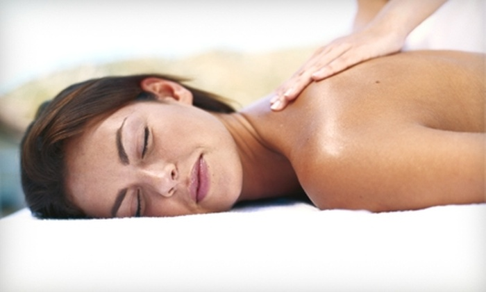 Hyjek Chiropractic: A Creating Wellness Center - Minneapolis / St Paul: $30 for a One-Hour Massage at Hyjek Chiropractic: A Creating Wellness Center ($60 Value)