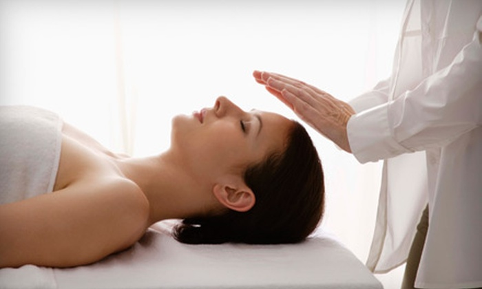Pollack Clinic - Riverwoods: $29 for a One-Hour Therapeutic Massage at Pollack Clinic in Deerfield ($80 Value)