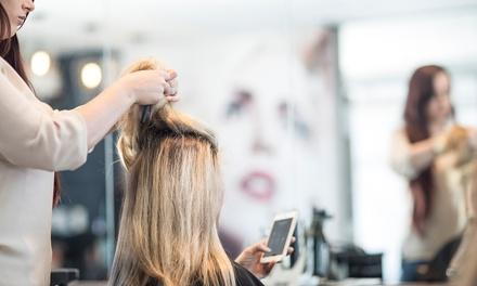 Sesión de peluquería con corte y opción a tinte y/o mechas desde 14,95 € en Centro de Belleza e Imagen Nayla
