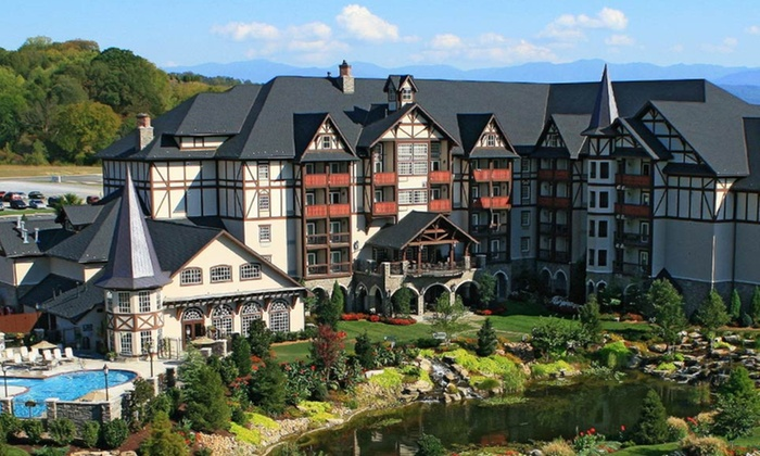 null - Louisville: Stay at The Inn at Christmas Place in Pigeon Forge, TN