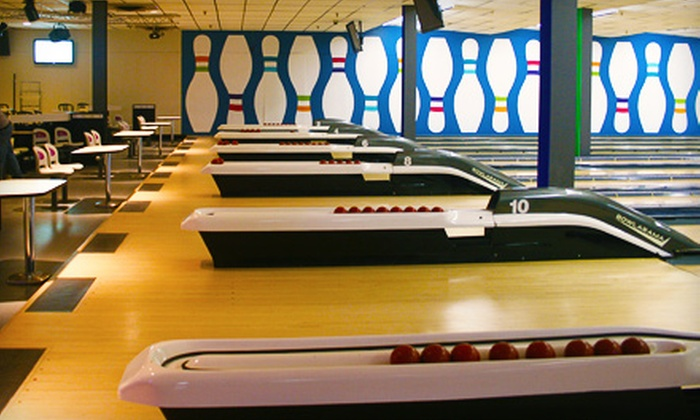Bowlarama - Multiple Locations: C$20 for Three Games of Bowling and Shoe Rental for Up to Five People (Up to $55.75 Value)