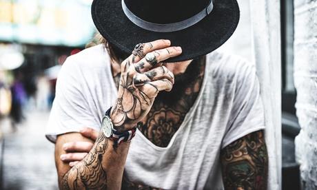 Paga 19 € y obtén un descuento de 110 € en un tatuaje a color o en negro de un tamaño mínimo de 6x12cm en