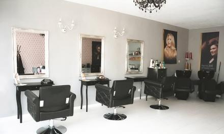 Traitement réparateur pour cheveux abîmés ou relooking capillaire dès 24,99 € au salon Emilie Renaissance