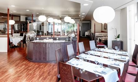 Clermont-Ferrand : 1 à 3 nuits avec petit déjeuner, dîner et champagne en option à l'hôtel Kyriad Prestige 4* pour 2