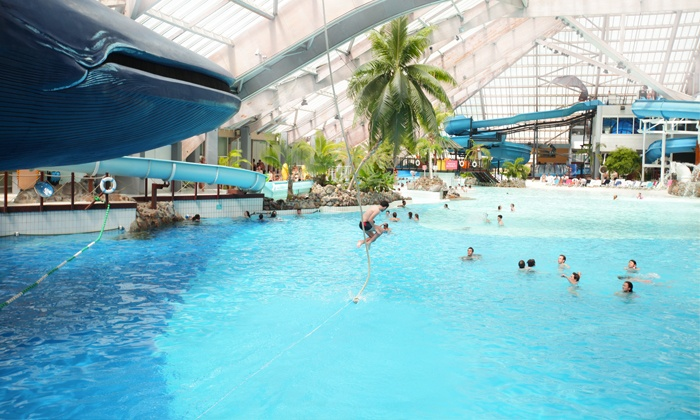 Aquaboulevard d s 10 aquaboulevard de paris groupon for Piscine forest hill