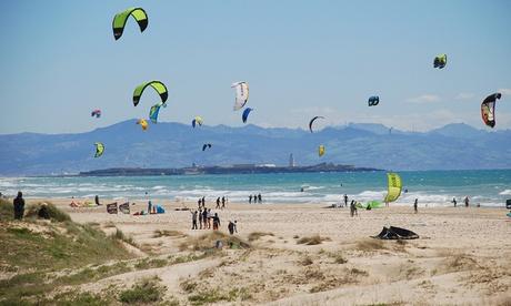 Curso de 3 horas de iniciación en Kitesurfing para 1, 2 o 4 personas desde 44,99 €en Chicken Loop Kite Club