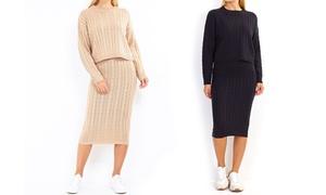 (Mode)  Pull et jupe en maille torsadée